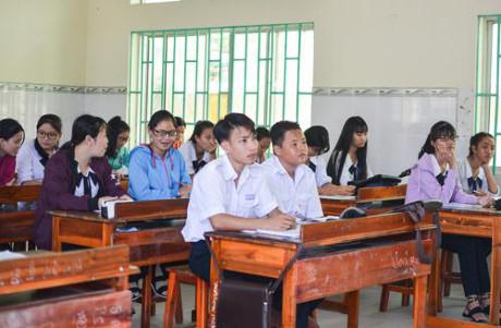 Học sinh trường THPT Cần Thạnh tại phân hiệu ở xã đảo Thạnh An trong năm học mới. Ảnh: Thảo Ly.