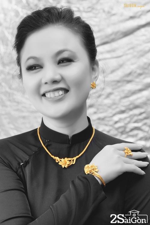 Những thiết kế tinh xảo và trau chuốt bằng vàng 24K thuần khiết sẽ mang lại cho mẹ vẻ tinh tế và nguồn năng lượng ngập tràn