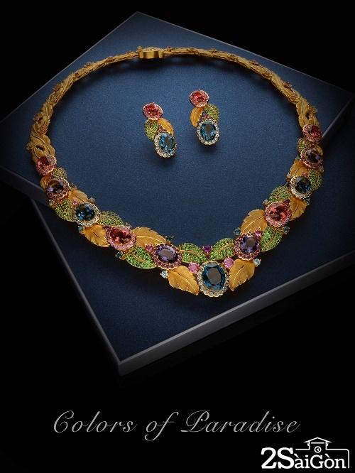 Trăm sắc hoa bừng nở từ đá quý, sẽ đem đến cho mẹ sự trẻ trung, lộng lẫy và nổi bật