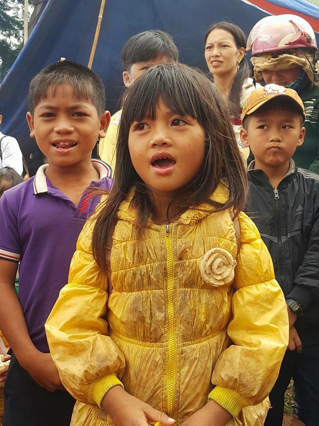 Các em nhỏ xã Quảng Tâm có một chương trình Trung Thu cho riêng mình - Ảnh: C.K