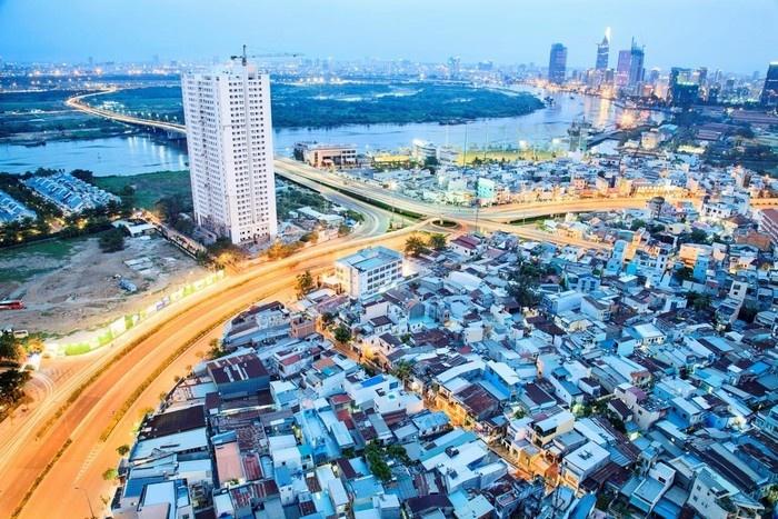 Không chỉ có những tòa nhà, Sài Gòn còn là thành phố của sông ngòi kênh rạch - Ảnh: Tuấn Anh