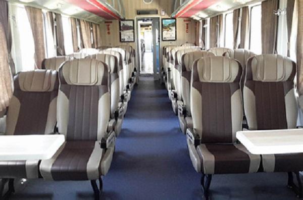 Ghế ngồi trên tàu chất lượng cao giống như ghế máy bay. Ảnh: Xuân Hoa