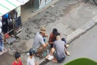 Có lẽ mảnh chai ai đó cẩu thả ném ra đường khiến người đàn ông tội nghiệp này chấn thương nặng.