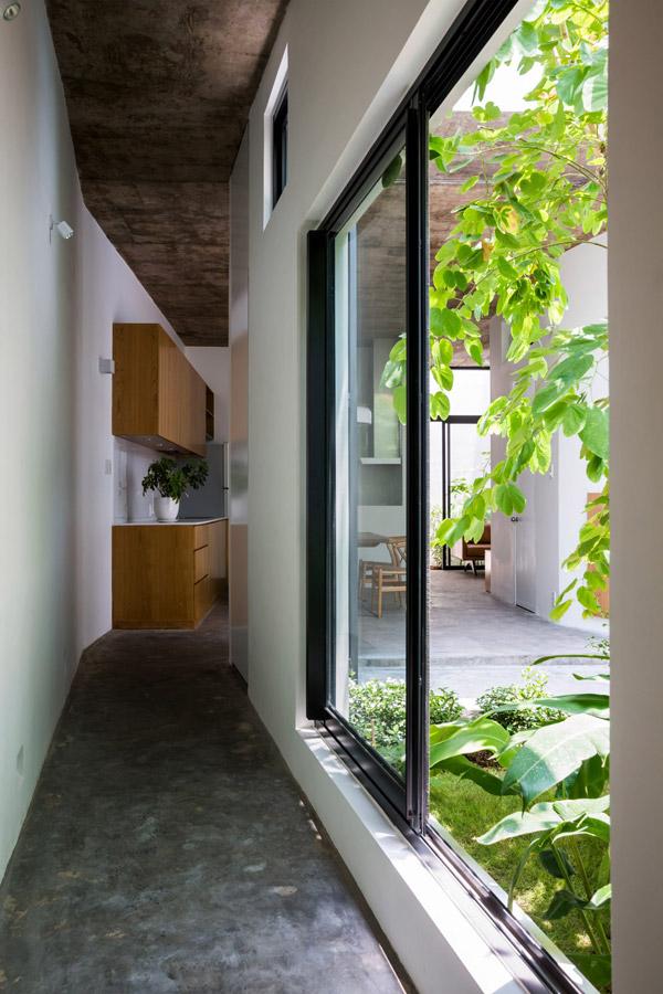 Mỗi căn hộ đều được thiết kế mở từ phòng ngủ, phòng khách đến không gian bếp, ấy ánh sáng tự nhiên và tăng cường không khí.