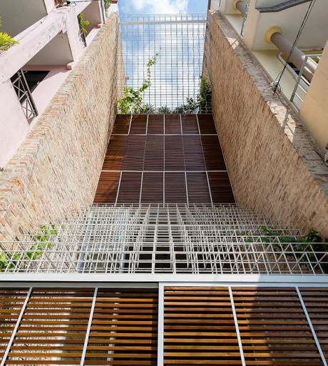 Thiết kế nhà ống mặt phố lựa chọn khung thép hết sức phù hợp.