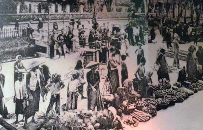 Một khu chợ Sài Gòn xưa (không rõ khu vực nào) cuối thế kỷ 19 bày hàng rất gọn ghẽ, văn minh - Ảnh tư liệu