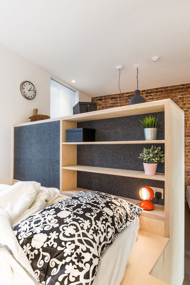 Khi kéo ra rồi, nó lại nghiễm nhiên trở thành một không gian phòng ngủ chính hiệu mà lại giúp bạn tốn ít diện tích khi không sử dụng nhất.