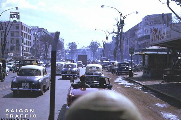 Đại lộ Lê Lợi, phía xa là Nhà hát Thành phố. Ảnh: 6thofthe31st.