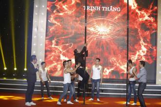 10. Van Son va Kao Long thi leo cot (13)