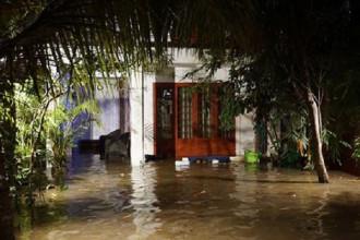 Căn biệt thự ở Thảo Điền (Q.2) ngập sâu trong nước. Ảnh M.Q