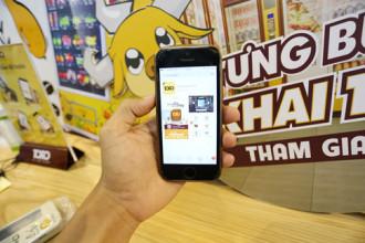 Trước khi mua được sản phẩm tại cửa hàng tiện lợi, mọi người phải tải ứng dụng Toro về điện thoại smartphone