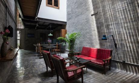 Ngôi nhà có tên Zen House là một nhà ống điển hình của các thành phố ở Việt Nam.