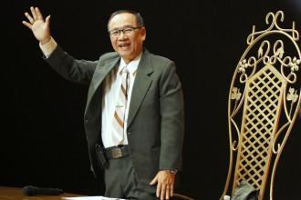 7. Nhac si Han Chau (2)