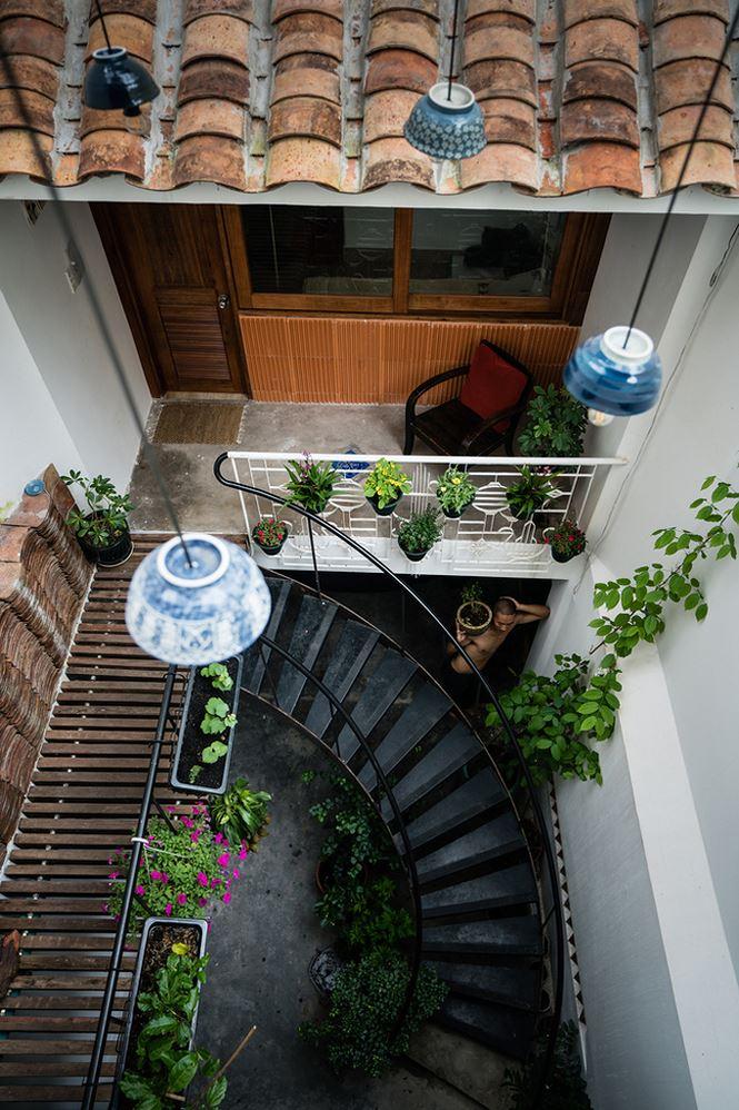 Mỗi căn nhà nhỏ vẫn giữ được nét cổ kính, truyền thống đan xen với những thiết kế hiện đại.