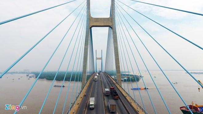 Cầu là một trong những tuyến đường kết nối khu đô thị mới Thủ Thiêm và khu đô thị Phú Mỹ Hưng.