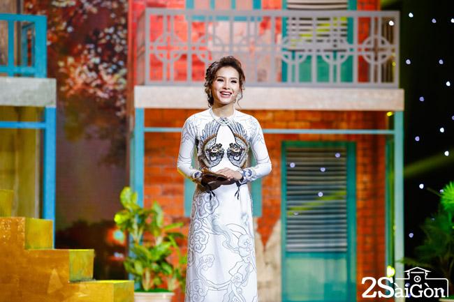 Phuong Trinh Jolie lam MC chuong trinh Nguoi Ke Chuyen Tinh (21) (1)