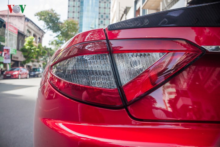 Xe vẫn giữ lại động cơ V8 trên GranTurismo S nhưng công suất tăng lên 454 mã lực nhờ piston được thiết kế lại. Granturismo Sport đạt mô-men xoắn cực đại 519 Nm tăng tốc từ 0-100 km/h trong 4,8 giây, tốc độ tối đa 298 km/h.