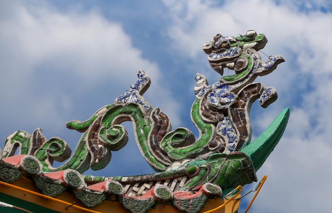 Năm 2007, trung tâm Sách Kỷ lục Việt Nam đã xác lập kỷ lục: Chùa An Phú là ngôi chùa được tạo tác bằng miểng sành nhiều nhất Việt Nam.