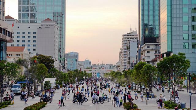 Đường Nguyễn Huệ ngày nay - Ảnh: Hữu Khoa