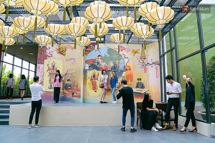 """Không gian văn hóa mang dấu ấn Sài Gòn Chợ Lớn xưa tại The Garden Mall cũng là địa điểm """"check in"""" mới của giới trẻ."""
