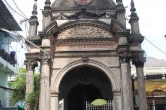 Ngôi nhà mồ ông Trịnh Khánh Tấn