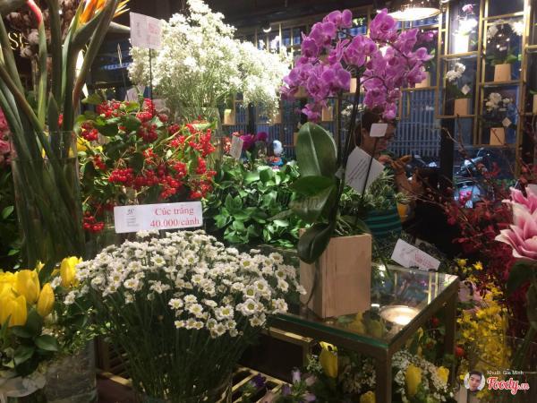 Bạn có thể tìm đến đây để mua những loài hoa yêu thích (Nguồn: Foody)