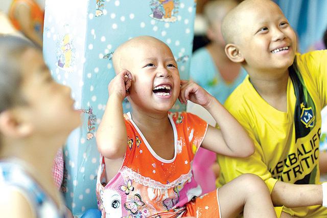 Nụ cười hồn nhiên của các bệnh nhi