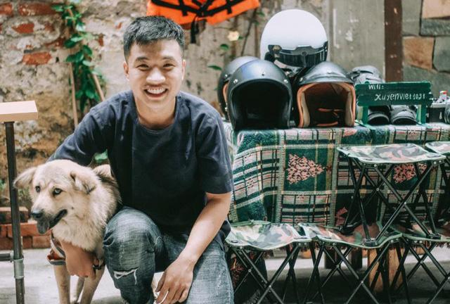 Quốc Việt luyện tập sự tỉ mỉ bằng máy phim - Ảnh do nhân vật cung cấp