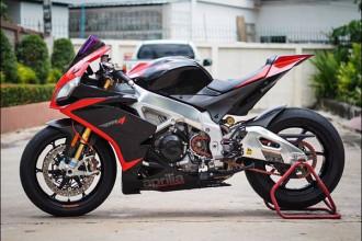 Ra mắt lần đầu ở Việt Nam tại VMCS hồi tháng 4/2016, siêu môtô Aprilia RSV4 là một trong những phiên bản nâng cấp của dòng superbike RSV4 đình đámcó mặt từ năm 2009. Nó được xem đối thủ cùng phân khúc của Ducati 1199/1299, Yamaha R1 hay Honda CBR1000RR...