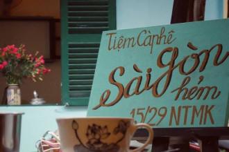 Biển hiệu của Sài Gòn hẻm. Ảnh: Facebook Tiệm cà phê Sài Gòn hẻm