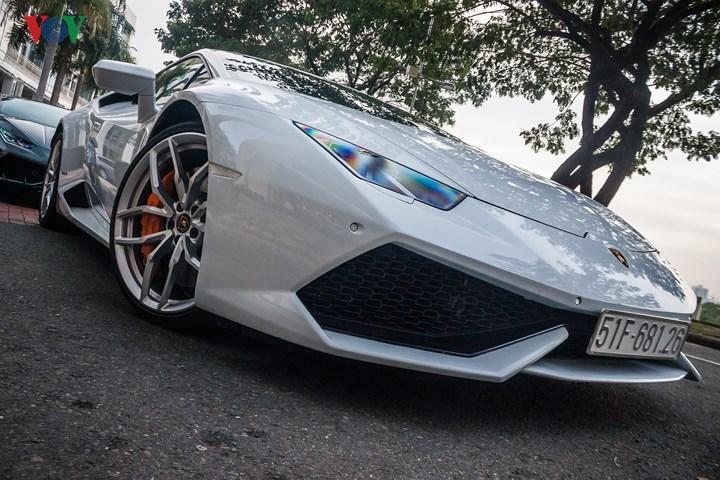 Sự kiện này còn có sự góp mặt của hai chiếc Lamborghini Huracan LP610-4
