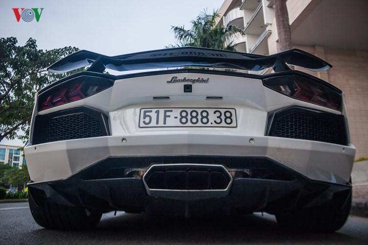 """Không chỉ là mẫu siêu xe độc đáo tại Việt Nam, chiếc Lamborghini Aventador còn sở hữu một chiếc biển mà nhiều người """"ước ao""""."""