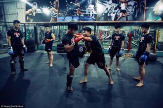 Mới xuất hiện tại Việt Nam cách đây 2-3 năm, nhưng MMA đã tạo ra một sức hút khá lớn thu hút các bạn trẻ tham gia tập luyện bộ môn võ thuật tổng hợp này. Trong đó, TP. Hồ Chí Minh là một trong những địa điểm có phong trào tập luyện MMA khá phát triển ở cả nước.