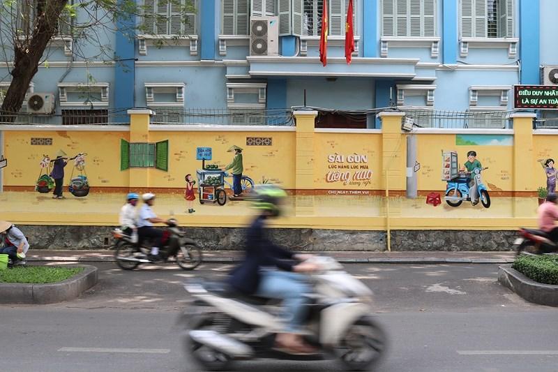 Hình ảnh này cũng xuất hiện trên đường Pasteur - Nguyễn Du dễ thương không kém... Ảnh: LA HIÊN