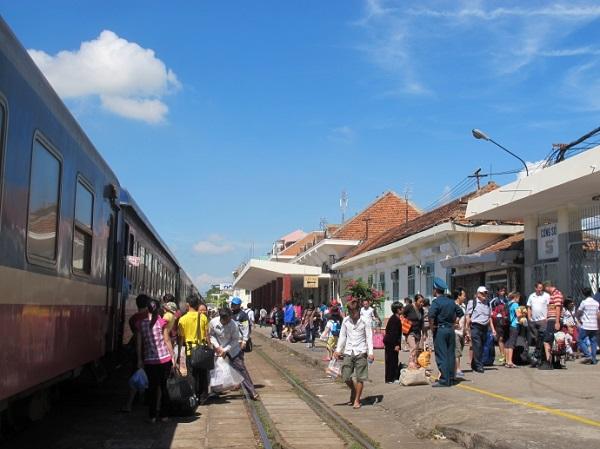 Đường sắt chạy thêm nhiều tàu Sài Gòn – Nha Trang dịp tết dương lịch 2018