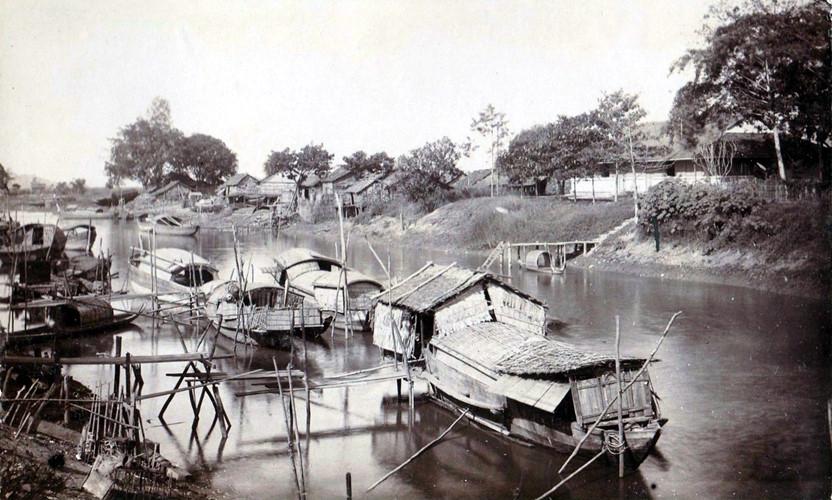 Ghe thuyền trên kênh rạch ở Chợ Lớn. Ảnh tư liệu.
