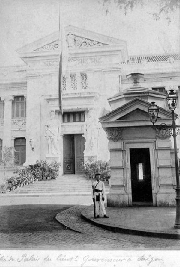 Dinh Thống đốc Nam Kỳ (Dinh Gia Long, nay là Bảo tàng TP HCM), Sài Gòn những năm 1890. Ảnh tư liệu.