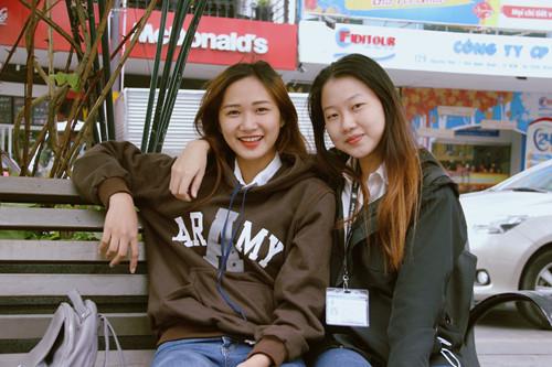 Nhiều bạn trẻ độc thân vẫn tìm được niềm vui ngày lạnh với bạn bè LÊ NAM
