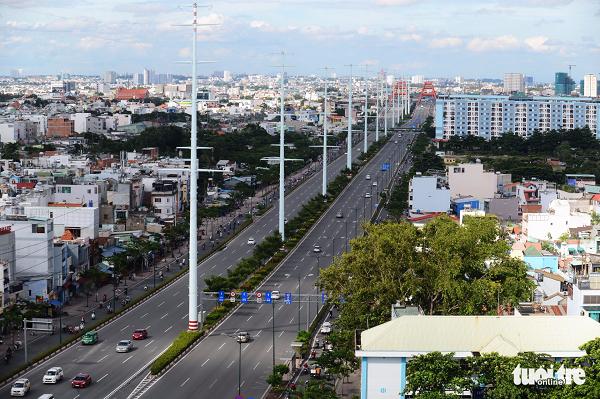 Đại lộ Phạm Văn Đồng đã làm thay đổi diện mạo vùng đất Sở Thùng - Ảnh: QUANG ĐỊNH