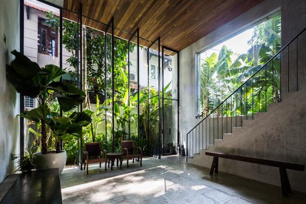 Thiết kế mở giúp các thành viên trong gia đình dễ dàng hòa mình với thiên nhiên.