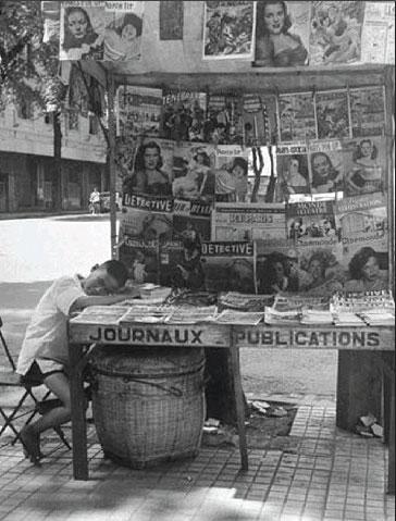 Hình ảnh một sạp báo xưa ở Sài Gòn (nguồn Internet)