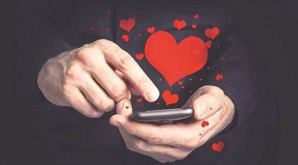 """Smartphone, mạng xã hội bùng nổ trở thành hoàn cảnh thuận lợi cho các chàng, các nàng """"thả thính"""" - Ảnh: Think Stock"""