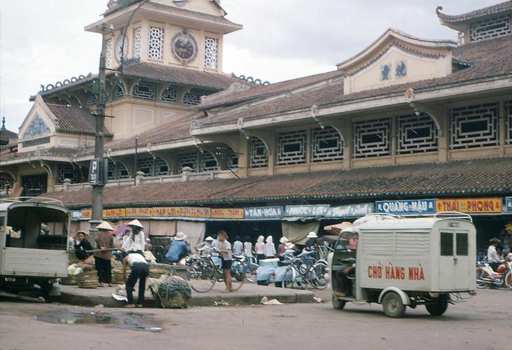 Chợ Bình Tây năm 1966-1967. Ảnh:R. Mahoney.