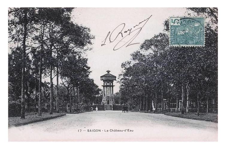 Tháp nước ở vị trí Hồ Con Rùa nhìn từ đường Blan Subé, nay là đường Phạm Ngọc Thạch. Ảnh tư liệu.