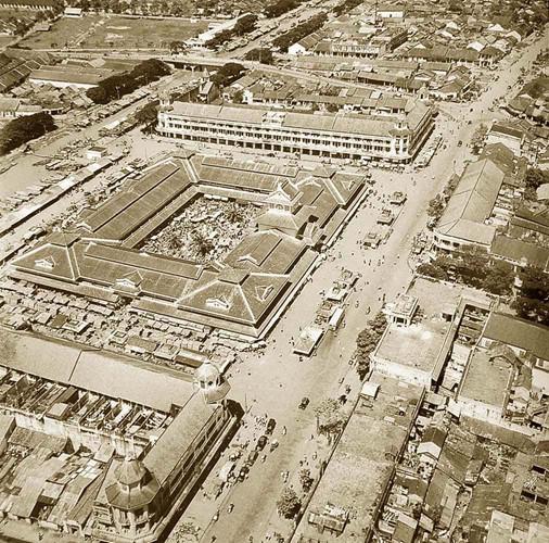 Toàn cảnh chợ Bình Tây năm 1955 nhìn từ máy bay. Ảnh tư liệu.