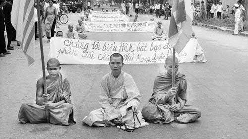 Tăng ni phật tử biểu tình chống kỳ thị tôn giáo - Ảnh tư liệu