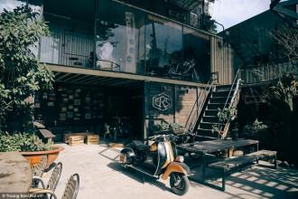 Cafe Racer Shop được xây dựng trên diện tích lên đến 300m2
