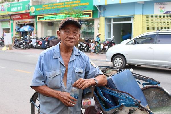 Ông Lâm Tài Kim (67 tuổi, ngụ tại đường Võ Văn Kiệt, quận 1, TP.HCM) đã thăng trầm qua hơn 40 năm nghề xích lô tại Sài Gòn