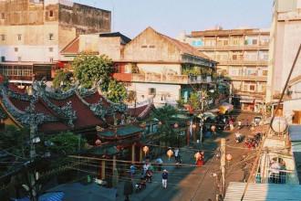 Chinatown còn gọi là khu phố người Hoa, tọa lạc tại quận 5, Sài Gòn.