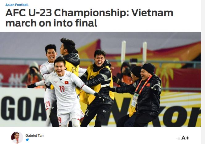 Biên tập viên Tan bình luận sau khi U-23 VN vào chung kết. Ảnh chụp từ màn hình